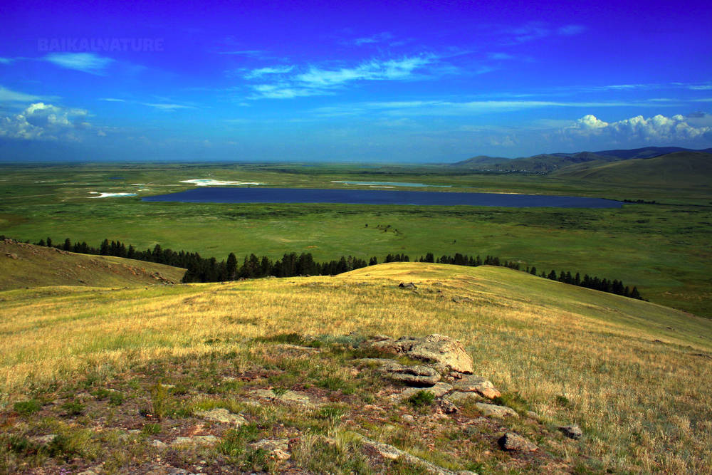 Вид на соленое озеро Гуджирчан