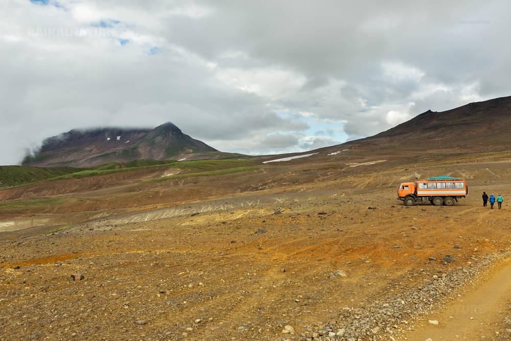 Восхождение на действующий вулкан Мутновский на Камчатке