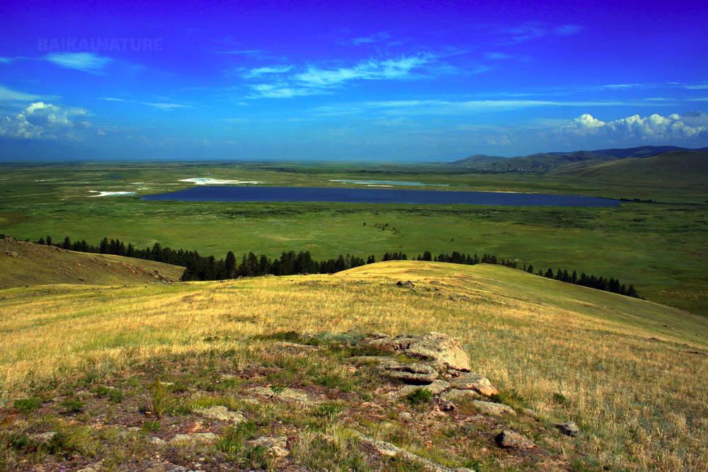 Vue sur le lac salé Goudjirtchan